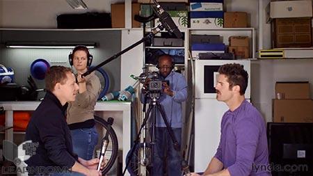 دانلود آموزش مبانی فیلمبرداری :دوربین و شاتینگ -Video Foundations Cameras and Shooting 3